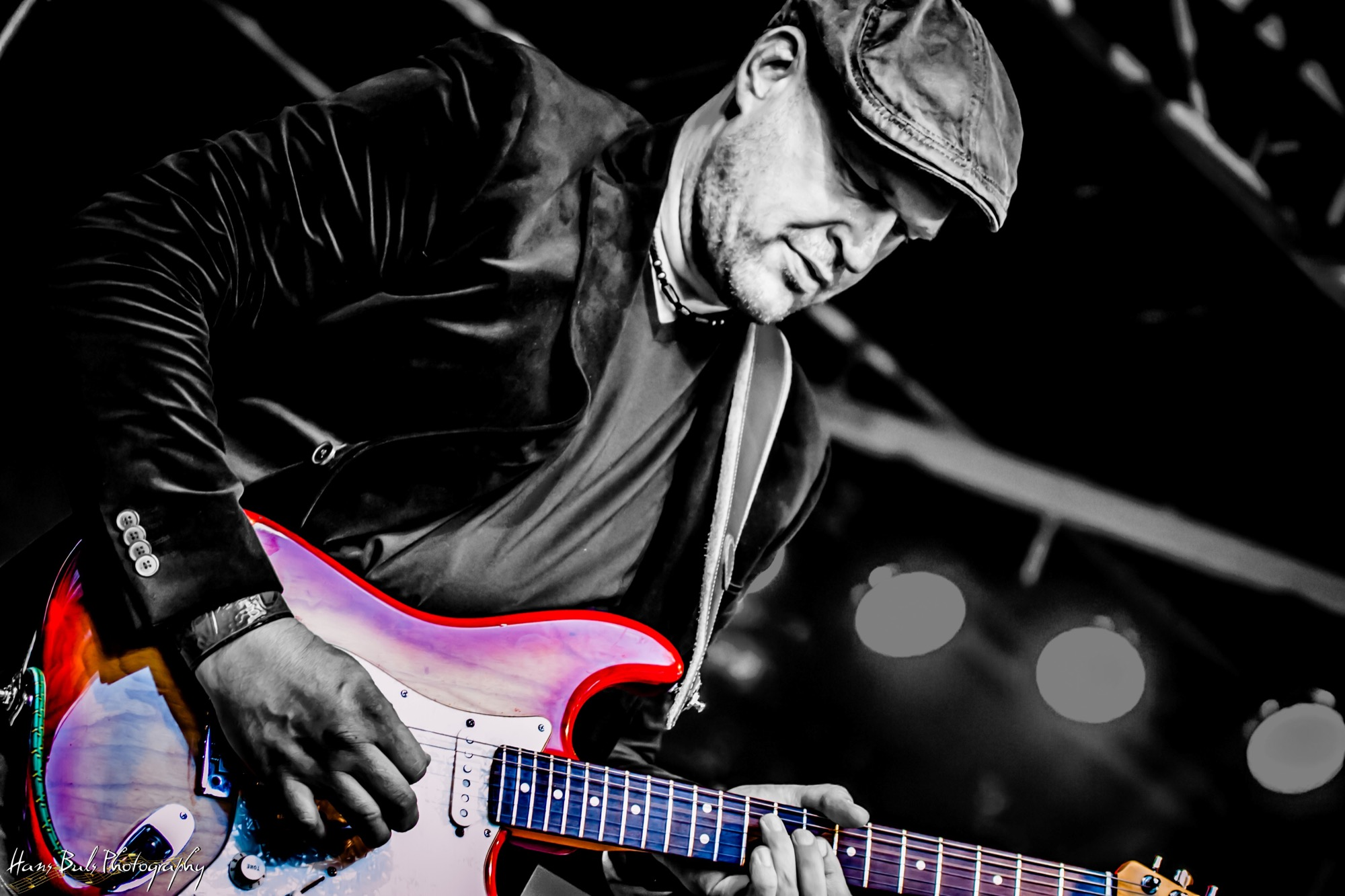 Gitarist Peter Dusseljee van de band Mojo Clinton